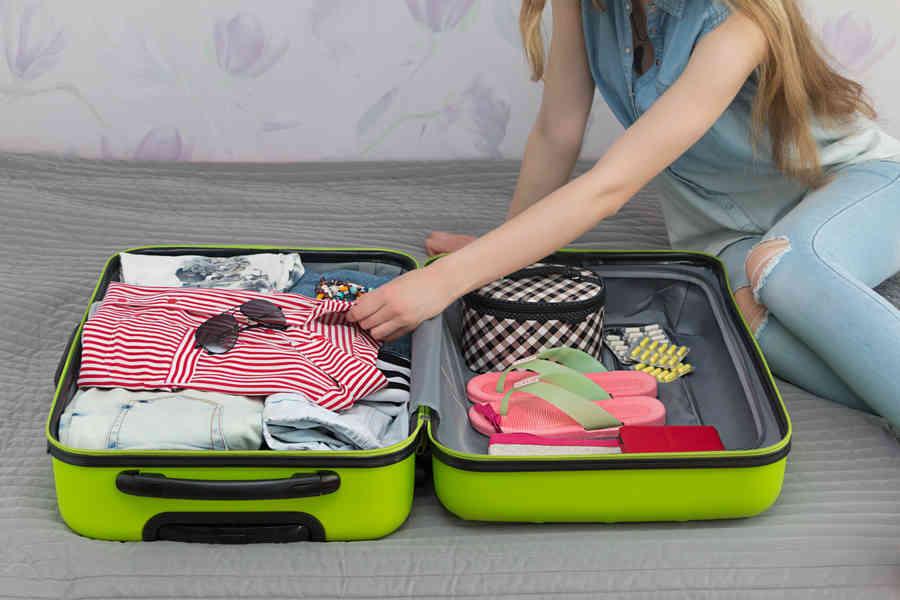 femme valise